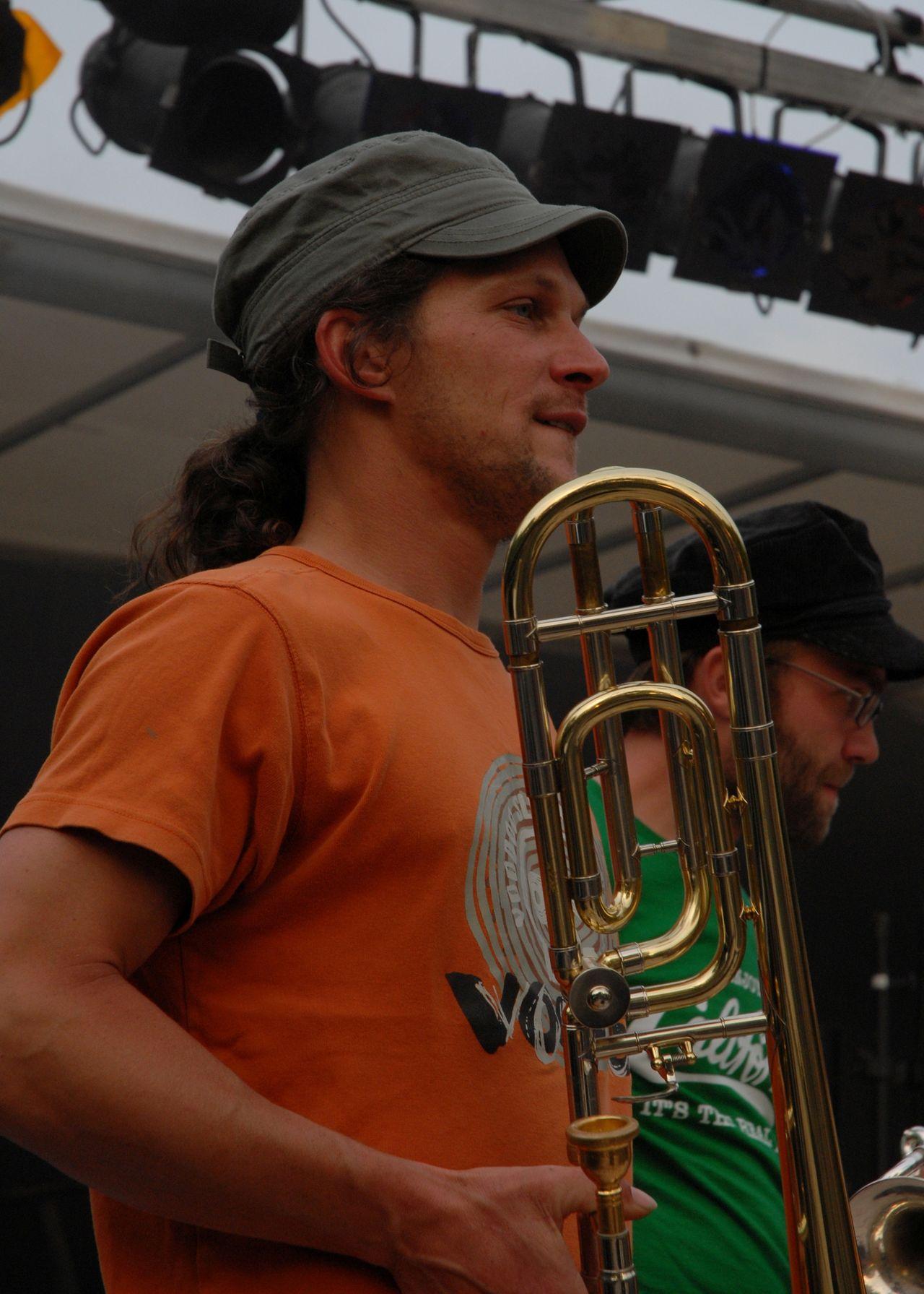 2008 (338)