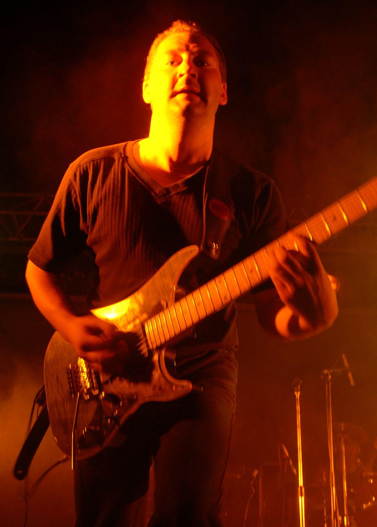 2008 (374)