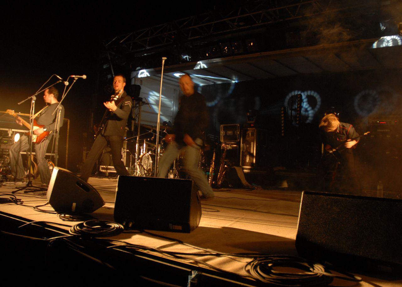 2008 (44)