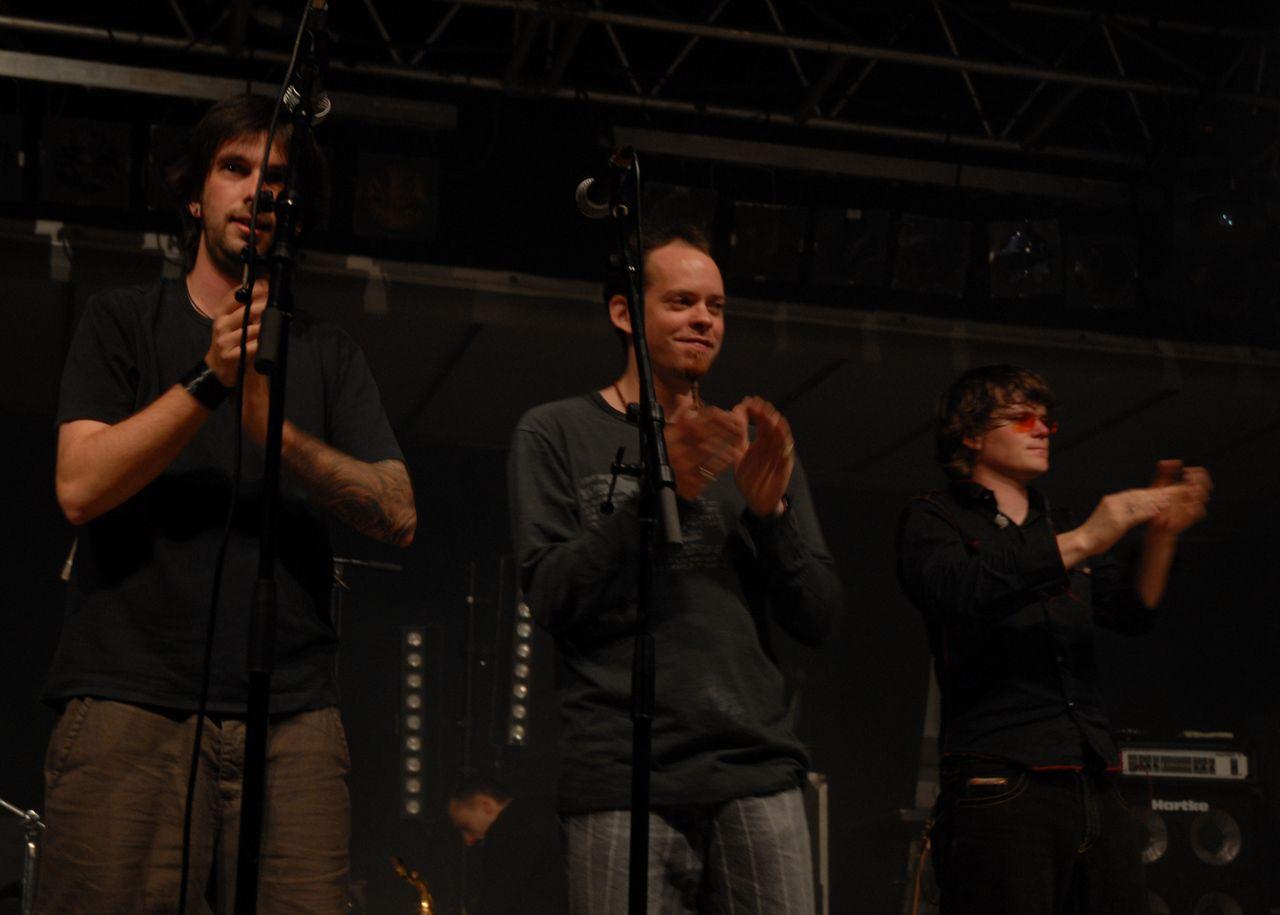 2008 (92)