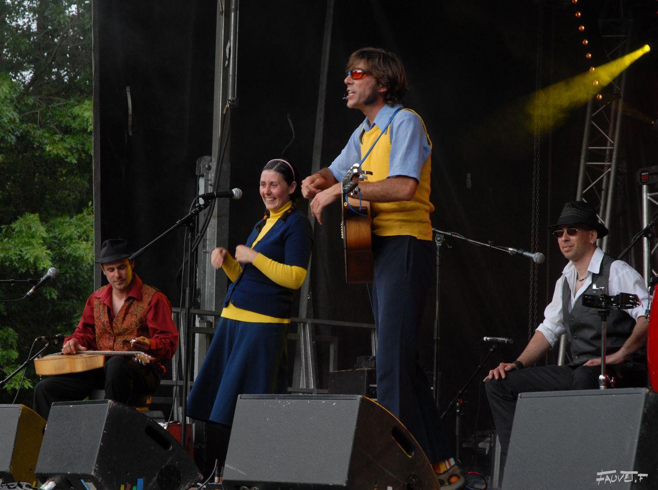 2009 (9)