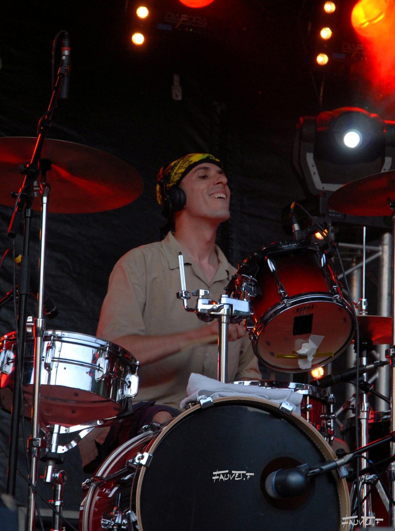 2009 (90)