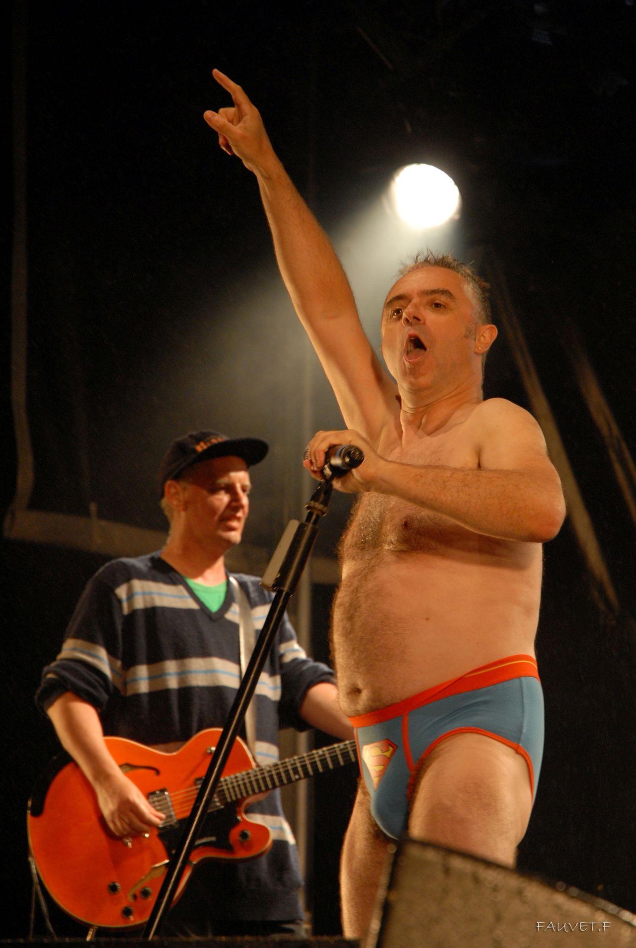 2010 (120)