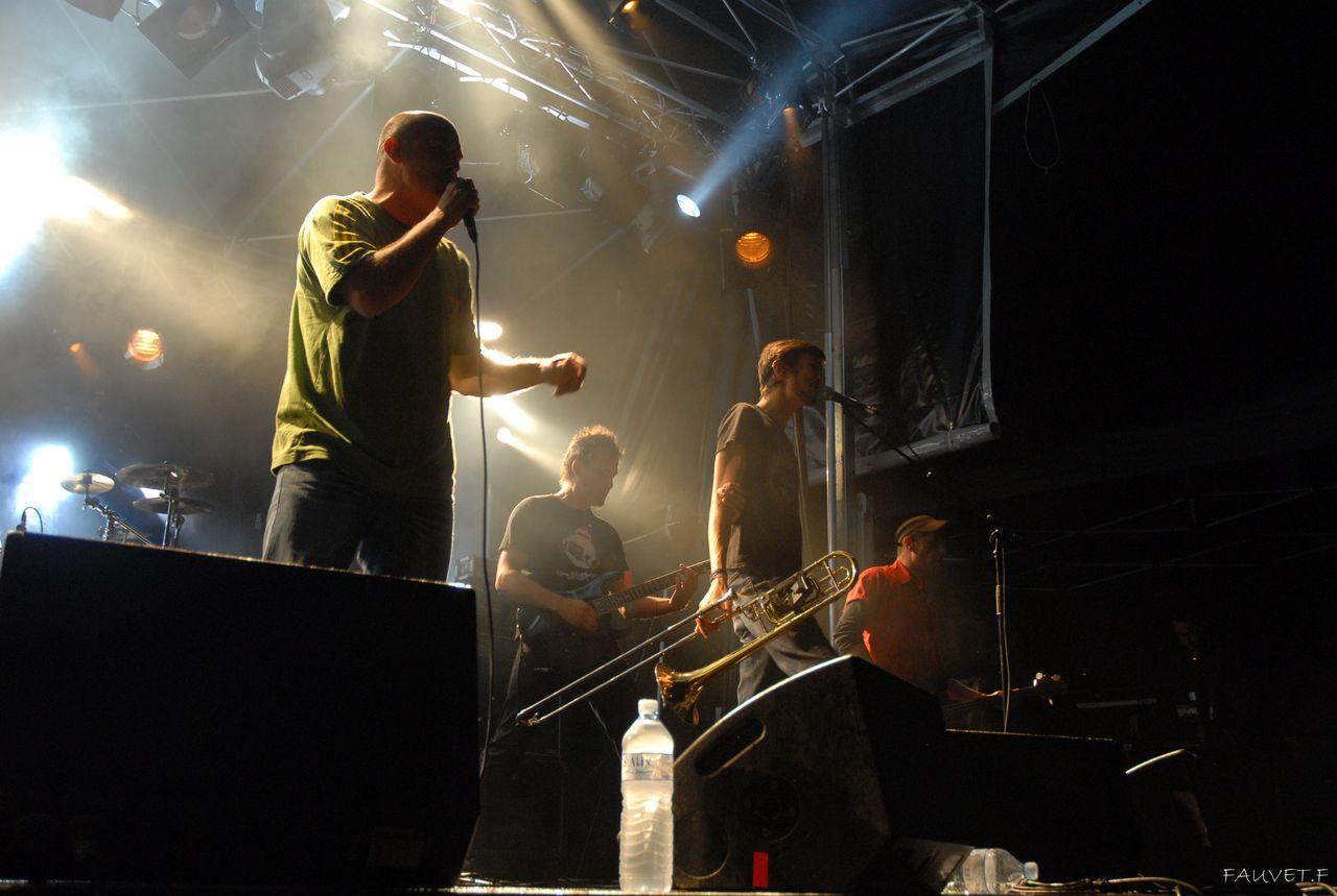 2010 (72)