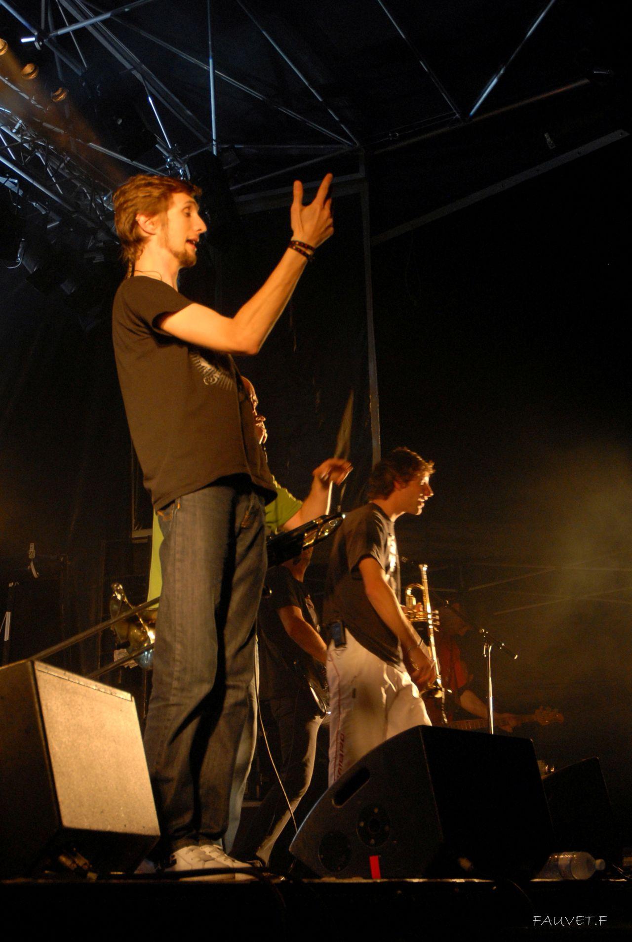 2010 (92)