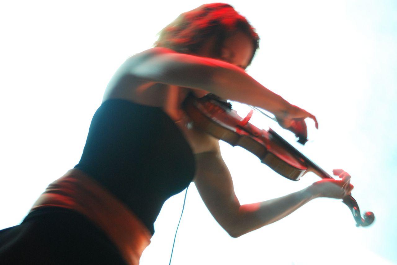 2011 (417)